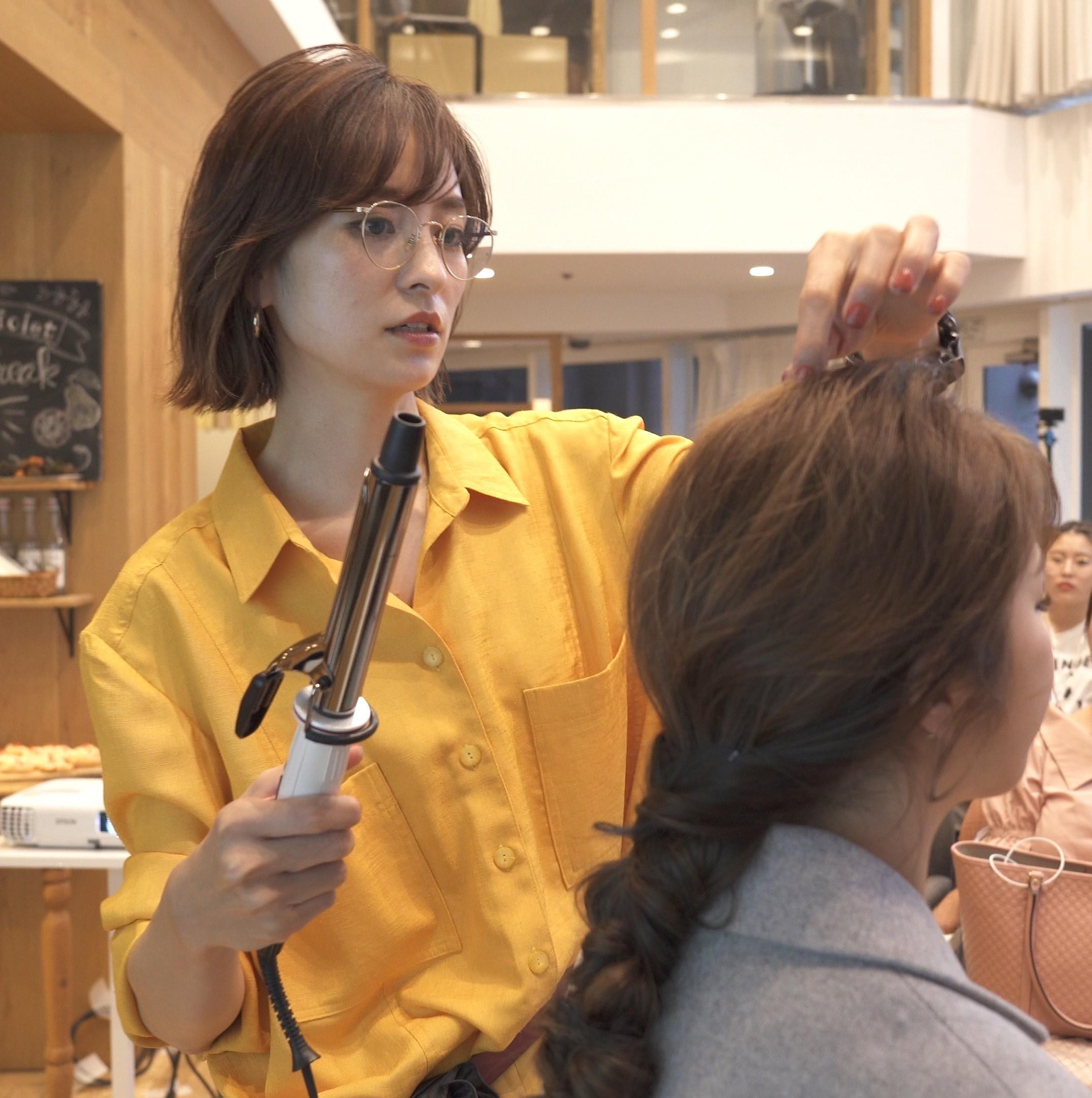 サロンスタイリストによるヘアスタイリング実演